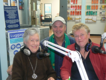 2CC's Mike Frame, Merylyn Condon and Judy Refshauge broadcasting live from the Canberra Railway Station