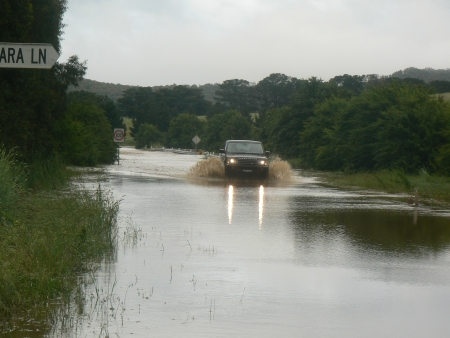 Queanbeyan Flood: Captains Flat Road