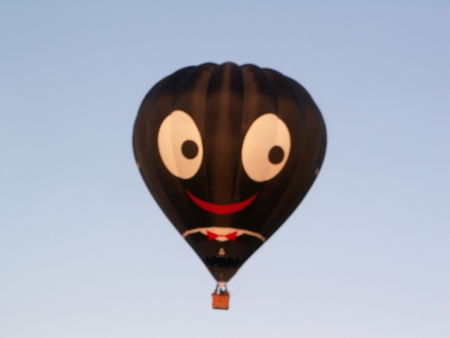 Happy (John Stanley Accentuate The Positive) Balloon at the 2006 Canberra Balloon Fiesta