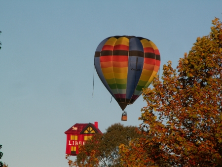The 2006 Canberra Balloon Fiesta